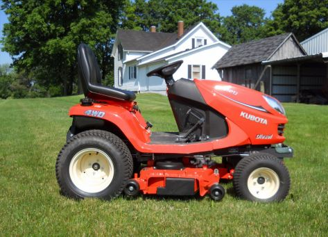 Kubota GR2020 lawn tractor photo