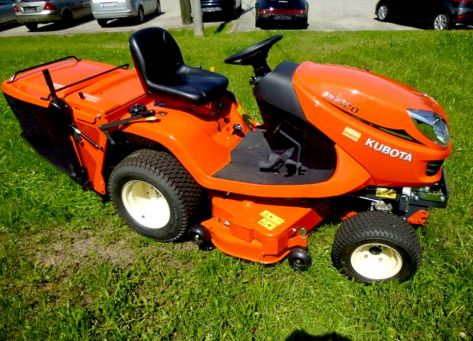 Kubota GR2120 lawn tractor photo