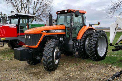 AGCO DT225 tractor photo