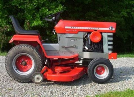 AMF 1414 lawn tractor photo