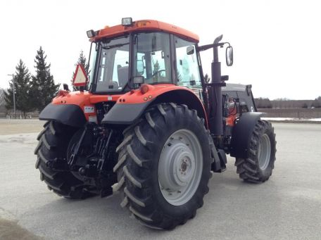 agco-rt100a-tractor-photo