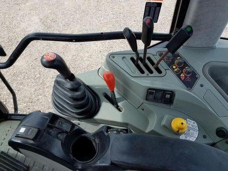AGCO RT130 tractor photo