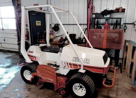 Kubota PX-2100 lawn tractor photo