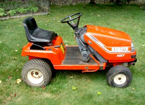 Kubota T1600 lawn tractor photo